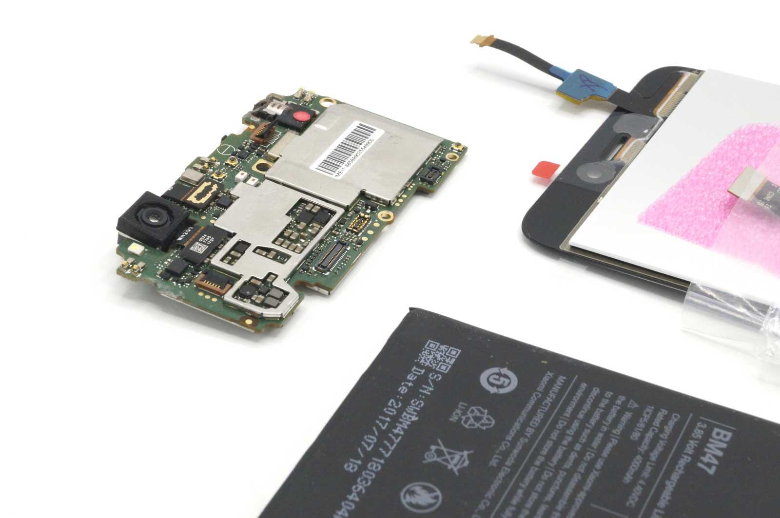 Xiaomi Redmi 4X в разобранном виде