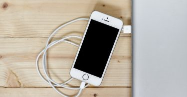 Как правильно заряжать аккумулятор смартфона, чтобы сохранить его ёмкость